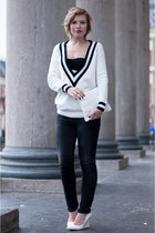 white costes sweater - black Levis jeans - white clutch pouch Zara bag