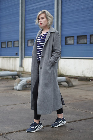 heather gray long asos coat - black Only jeans - navy Only t-shirt