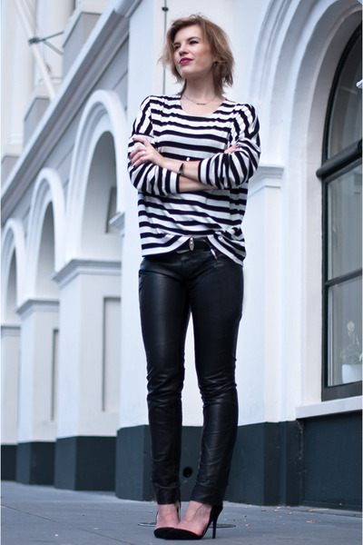 black Loavies sweater - black skinny leather Gipsy pants