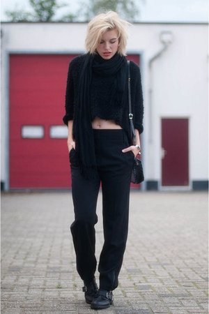 black buckle cut out Sacha boots - black Zara sweater - black V&D scarf