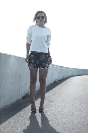 white Zara sweater - gray nike shorts - heather gray Ray Ban sunglasses