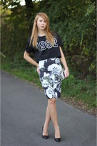 Zara skirt - Zara bag - Stradivarius t-shirt - Zara heels - H&M necklace
