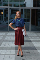 crimson faux leather Zara skirt - white pull&bear bag - navy denim Zara top