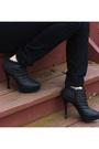 White-h-m-blazer-black-shoes