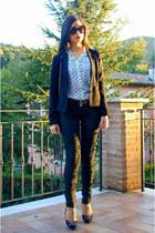 black Chanel bag - white foymall shirt - black Prada sunglasses
