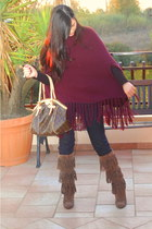 maroon cape