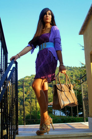light purple vintage dress - camel cinti heels - aquamarine vintage belt