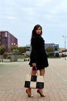 white Moschino bag - black Fornarina coat