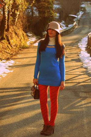 camel Bata shoes - carrot orange tights - brown vintage bag