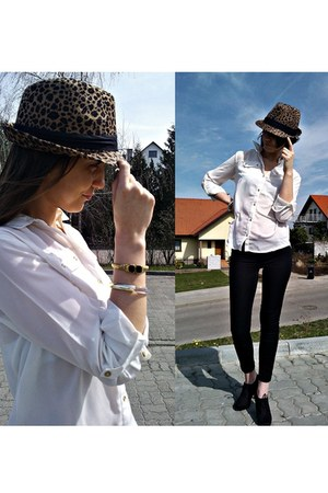 Mohito hat - Deichmann shoes - Mohito leggings - Mohito blouse