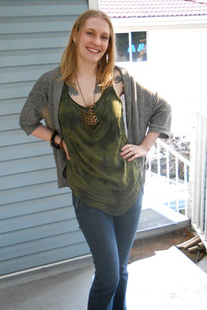 Guess jeans - thrifted cardigan - Mur Mur top - thrifted necklace