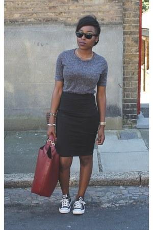 new look t-shirt - Zara bag - Converse sneakers - H&M skirt