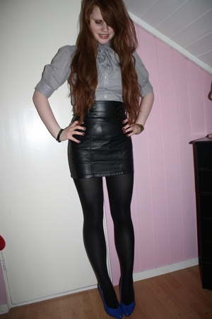 The leatherskirt.