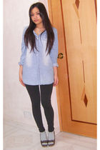 blue shirt - black leggings - purple shoes