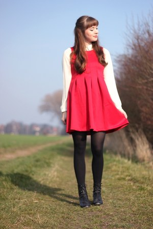 ruby red Lovelyshoes dress