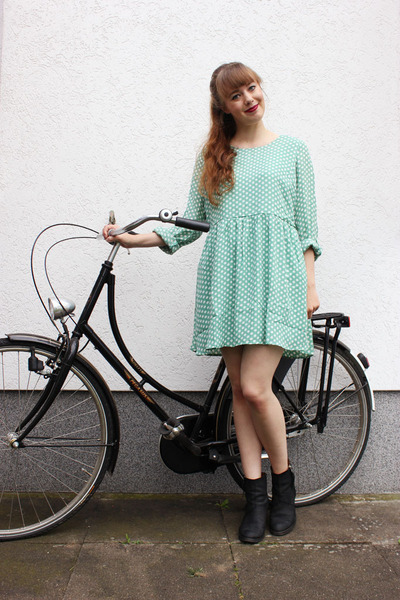 lime green Poppy Lux dress