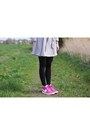 Heather-gray-primark-coat-pink-nike-sneakers