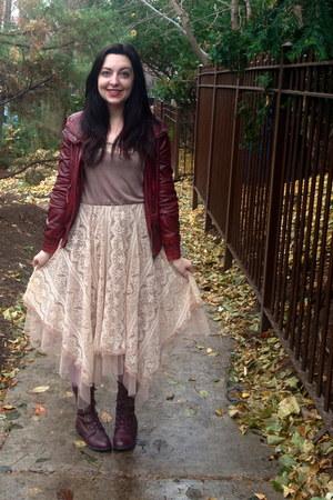 crimson combat boots modcloth boots - beige lace modcloth dress
