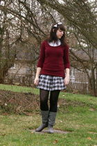 gray plaid Cactus Flower skirt - gray Steve Madden boots - red delias sweater