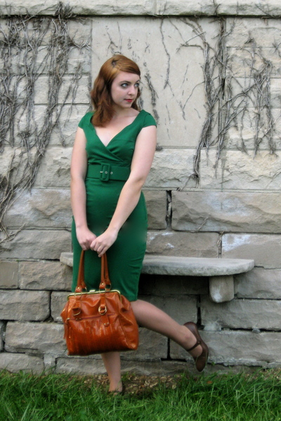 green BB Dakota dress - brown liz claiborne shoes - brown modcloth purse