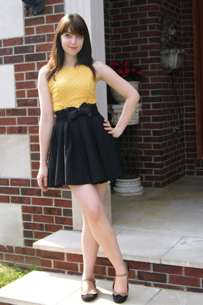 gold sears dress - black Urban Outfitters belt - black Forever 21 skirt - black
