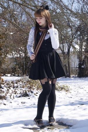 black Urban Outfitters accessories - black Cactus Flower vest - crimson scarf -