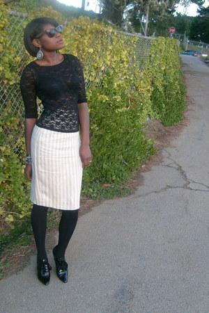 black striped Salvatore Ferragamo skirt - white Nine West boots