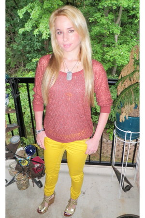 mustard colored pants Walmart pants - maroon comfy and warm Wet Seal shirt