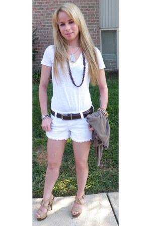 white crisp white Le Tigre shirt - white Rue 21 shorts