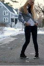 White-old-navy-blouse-navy-madewell-jeans-charcoal-gray-bensimon-sneakers