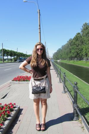 brown top - beige Zara shorts - brown shoes - brown Zara belt - brown Accessoriz