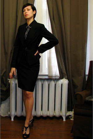 black Zara blouse - black vintage suit - black Tahari shoes