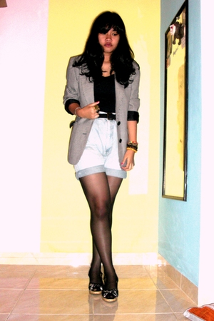 unbranded top - OOC blazer - Bang Bang shorts - Levis belt - vicari shoes - sox