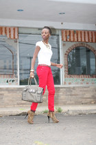 ruby red Celebrity Pink jeans - olive green Romeo& Juliet Couture bag