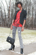 gray Forever 21 jeans - red Newlook t-shirt - black Nine West boots - black Newl