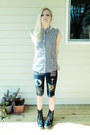 Black-dr-martens-boots-white-shirt-black-shorts