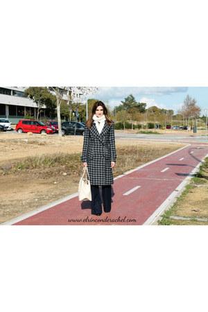white wool H&M scarf - heather gray Mango coat - eggshell shopper Mango bag
