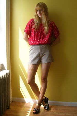 from Beacons Closet blouse - from Beacons Closet shorts - Jeffrey Campbell via B