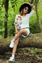 beewardrobe shorts - Adidas shoes - beewardrobe t-shirt