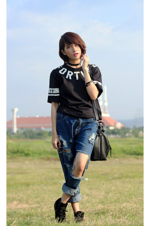Lasenora boots - dcode jeans - unknown t-shirt