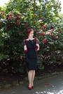 Black-1950s-dress-red-charlotte-russe-pumps-black-hm-gloves