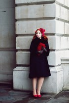 vintage Beyond Retro coat - H&M bag - vintage Beyond Retro gloves