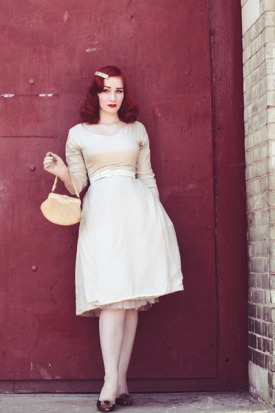 silk 1950s vintage dress dress - gloves - vintage heels heels