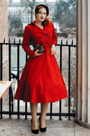 red Collectif London coat - black Beyond Retro hat - peekaboo bag