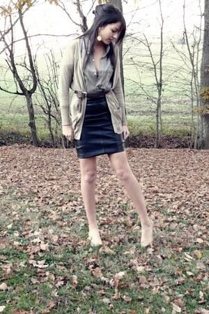 vintage calvin klein shirt - nude  shoes - cuir vintage skirt - beige Zara