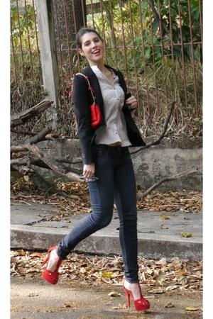 Zara shirt - H&M jeans - Sandros blazer - Carolina Herrera bag