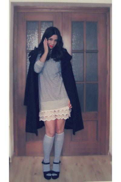 black H&amp;M coat - heather gray Primark dress - heather gray H&amp;M socks