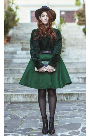 DROME coat - Grevi hat - clutch DROME bag - Zara heels
