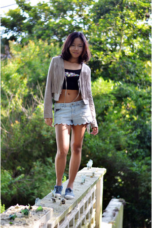 H&M jacket - DIY shorts - H&M top - Bensimon Tenis sneakers