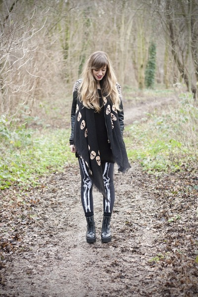 platforms Hellz Bellz boots - bone legs Black Milk leggings